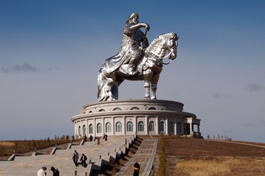 10 удивительных статуй со всего мира
