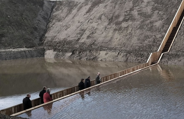 Moses Bridge (2011)